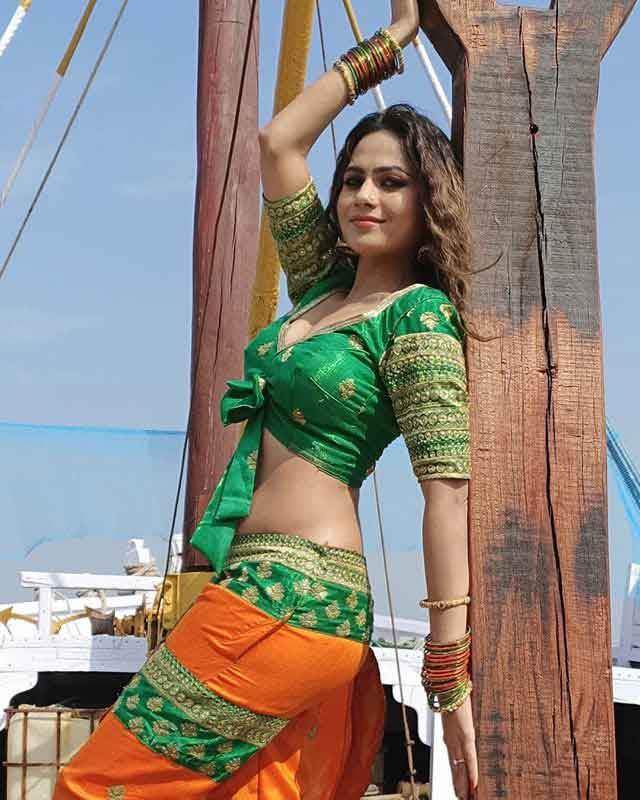 Gujarati Hot Actress Mamta Soni green dress looking beautiful photoshoot 2020  Mamta Soni Biography Gujarati Actress Wiki, Bra Size, Latest News, Photos, Songs, Dhollywood Upcoming Movie gujarati hot actress mamta soni hd photos