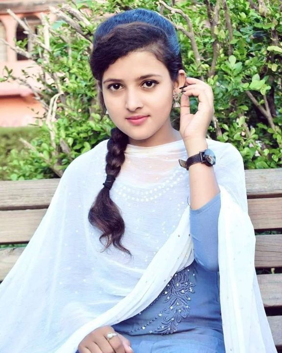 Silchar Girls WhatsApp Numbers for Dating Chat – WYP Beautiful whatsapp girls profile picture DP WGP 1 57