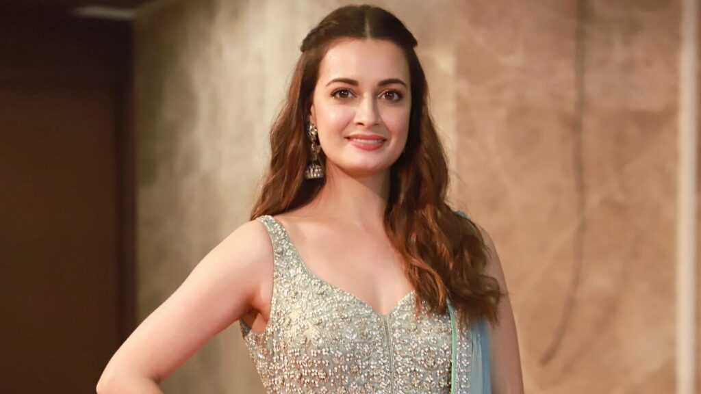 Dia Mirza Biography, History, Hot Pics Collection, Age, Height, Bra Size, BF, Latest News Bollywood Sexy Actress Dia Mirza Biography wiki telugu actress 1024x576
