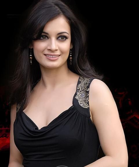 Dia Mirza Biography, History, Hot Pics Collection, Age, Height, Bra Size, BF, Latest News Bollywood Sexy Actress Dia Mirza black dress looking gorgeous