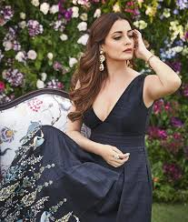 Dia Mirza Biography, History, Hot Pics Collection, Age, Height, Bra Size, BF, Latest News Bollywood Sexy Actress Dia Mirza latest pics bollywood glamours girl