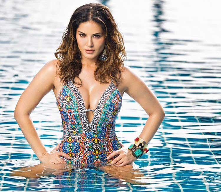 Sunny Leone Share in water bikini swimming pics  Sunny Leone Instagram Photos 'Take your Blues away 😘 12 days of summer love in!' Share Hot Picture April 2020 sunny leone share in water bikini swimming pics