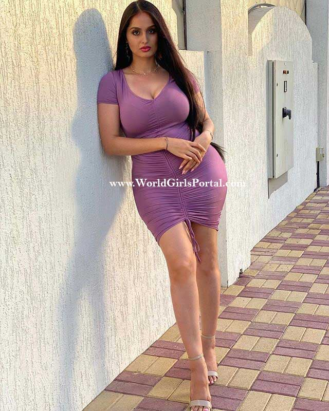 Beautiful Curvy Model Girl Lana Rose picture shaikh girl