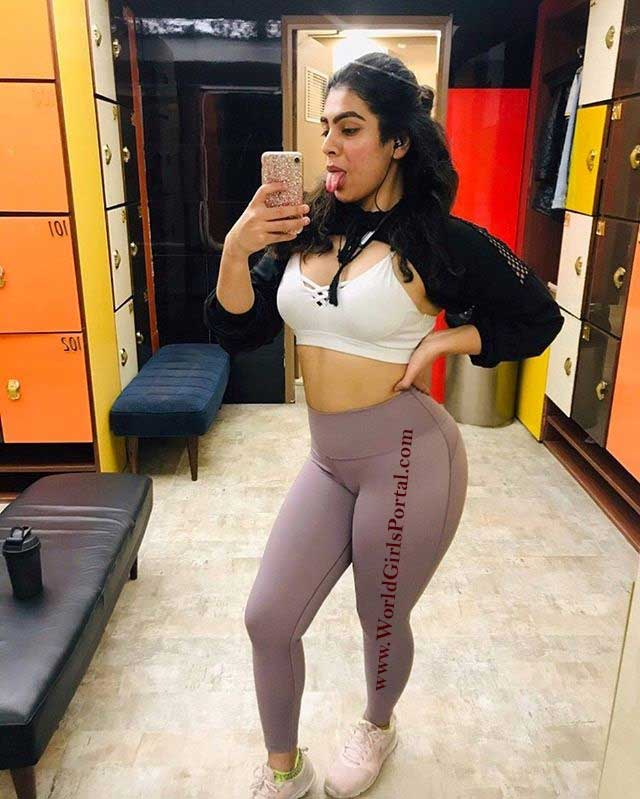 Sexy picture of Tanya Kapoor indian fitness model