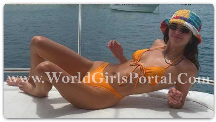 Kendall Jenner Orange Bikini: American Model #KendallJenner Stylish Simmer if You've got a Bikini just like Kendall Style - Hollywood Bikini Babe