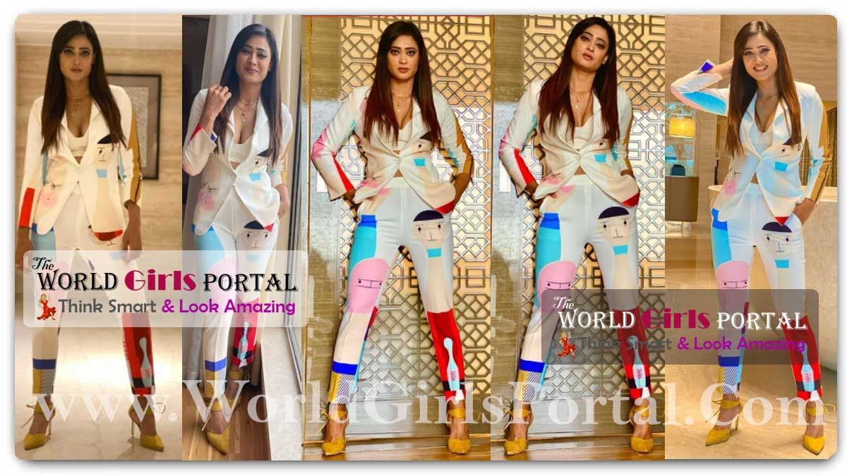 Shweta Tiwari Pantsuits With Her Colourful Pick: Shweta Tiwari 'funky' outfit; see reaction from friends and fans - Lady Boss Celebrity Style