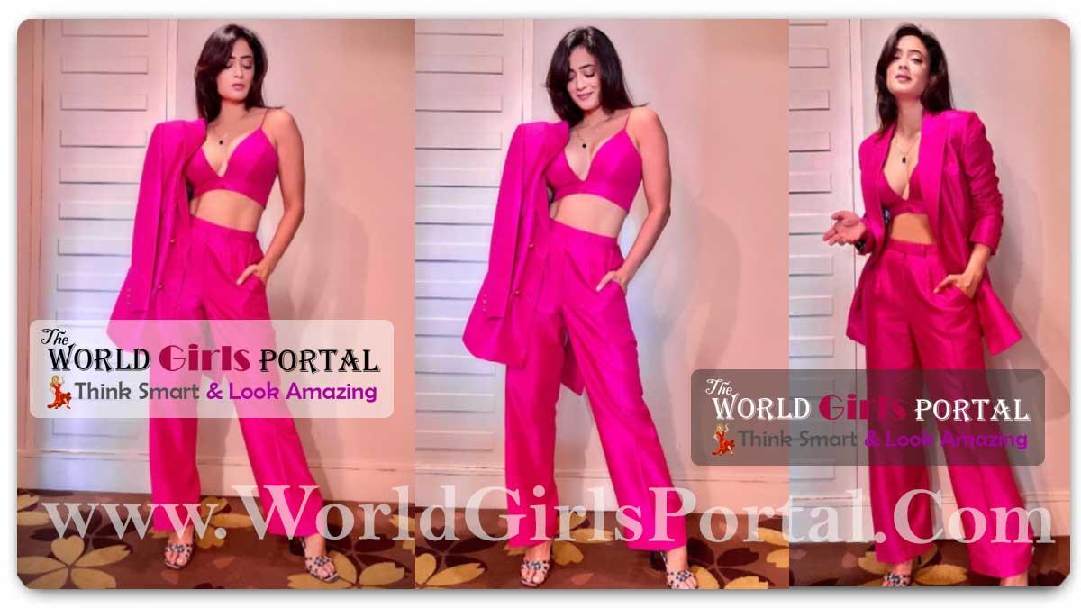 Shweta Tiwari Pink Pantsuit: #ShwetaTiwari in hot Bralette and pants channels her inner Boss lady Style