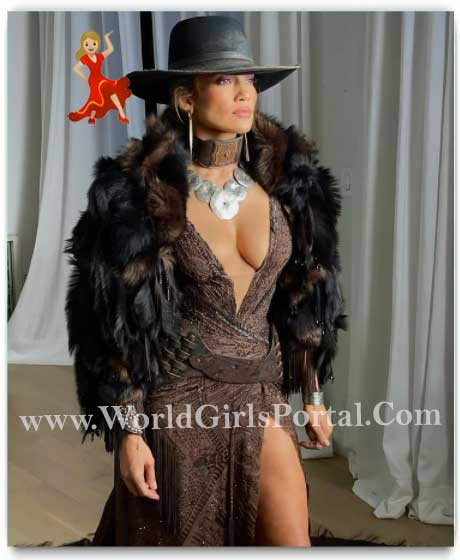 American Singer Jennifer Lopez's Cowgirl Red Carpet Glam Has Our Hearts On A Lasso
