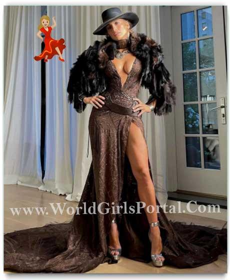 Jennifer Lopez dazzles in Ralph Lauren high-leg slit dress, cowgirl hat at Met Gala 2021